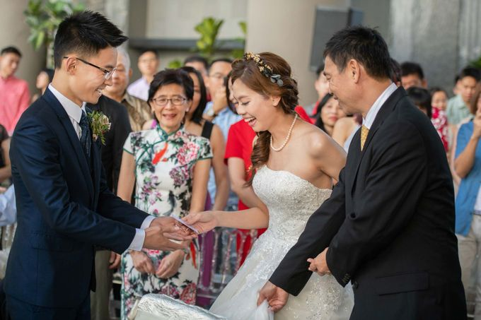 Parkroyal on Pickering Hotel Wedding by GrizzyPix Photography - 034
