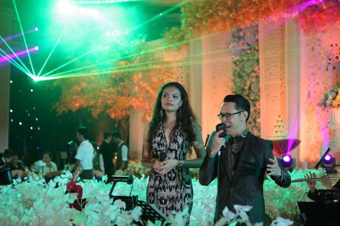 Autumn Theme Wedding Boy & Elisia at Empire 10th Floor  Surabaya by Diorama Tailor - 012