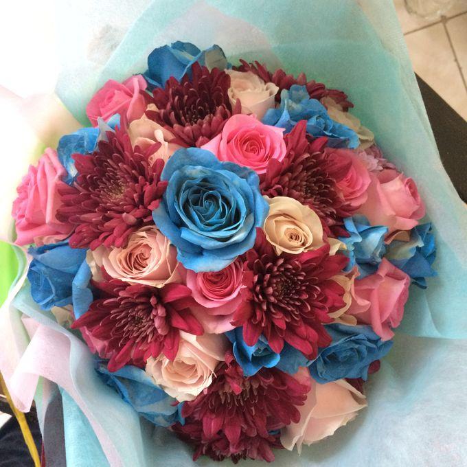 Colored Flowers by Les Fleur Flower Design - 015