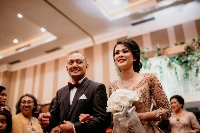 Wedding Reception at Pondok Indah Golf by Yoga Septa Make Up Artist - 018