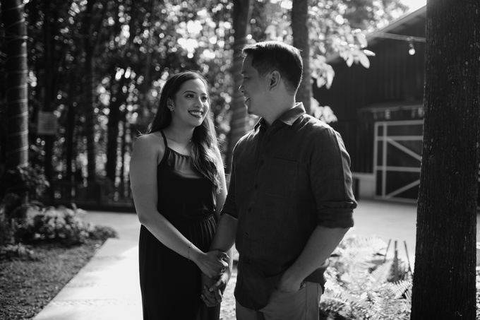 Oliver & Sally - The Forest Barn Engagement Session by Mot Rasay Photography - 016