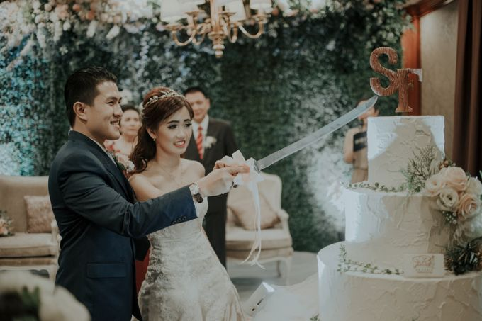 The Wedding of Salvian & Feby by MERCANTILE PENTHOUSE WEDDING - 013