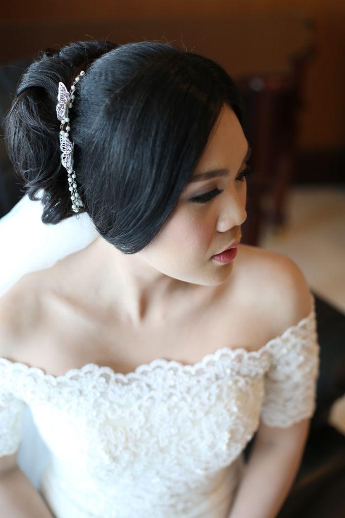 Sunlake Hotel - Yustomo & Errita Wedding by Impressions Wedding Organizer - 014