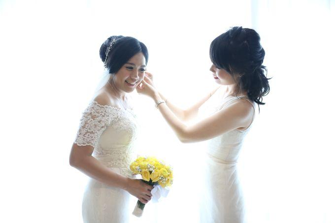 Sunlake Hotel - Yustomo & Errita Wedding by Impressions Wedding Organizer - 018