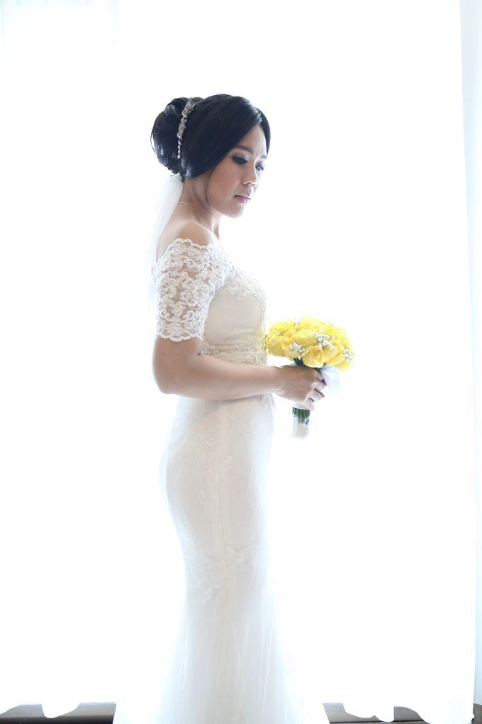 Sunlake Hotel - Yustomo & Errita Wedding by Impressions Wedding Organizer - 019