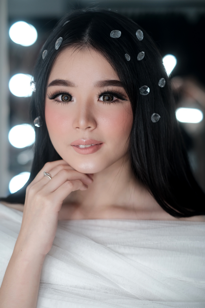 Barbie look by Sandra Bridal and Makeup Academy - 001