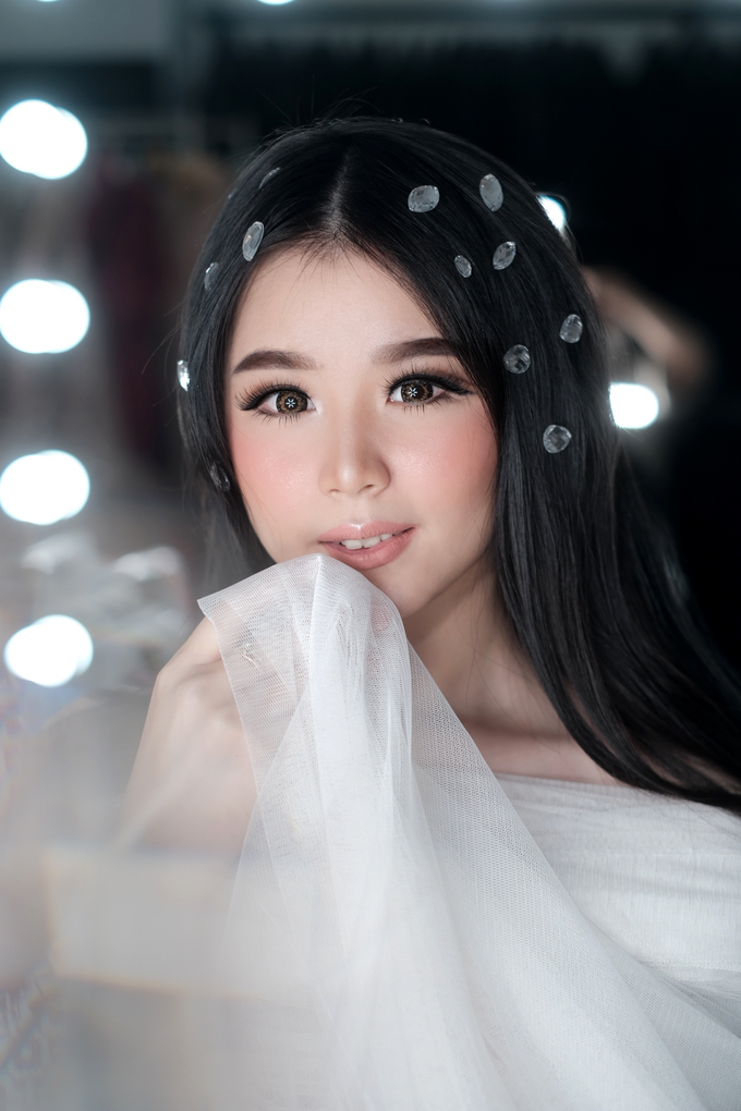 Barbie look by Sandra Bridal and Makeup Academy - 002