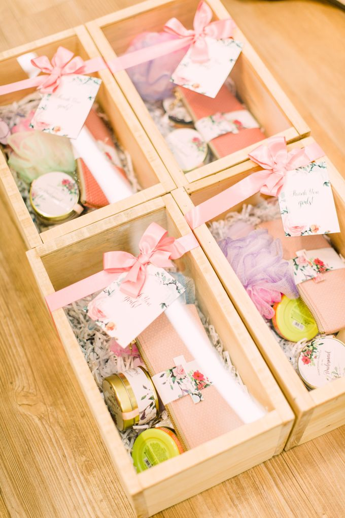 Bridesmaid Box by Petite Pretty Hampers - 002