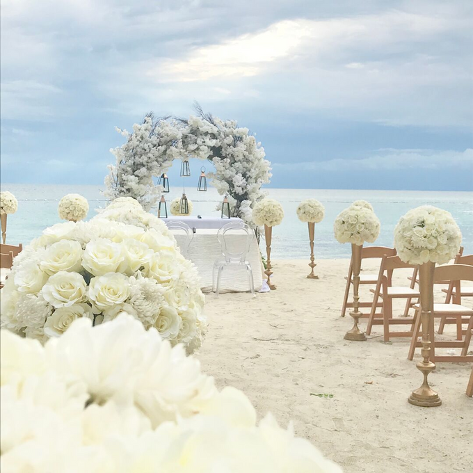 White Beauty by Destination Wedding Planner & Celebrant by Mira Michael - 001