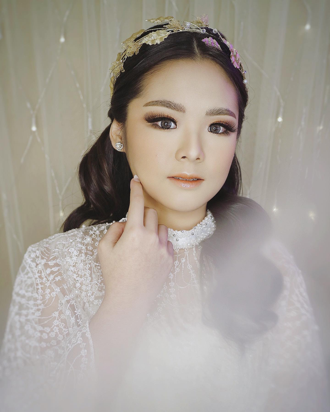 Explore Makeup by SARA ROSE Makeup Artist - 001