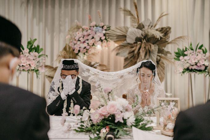 Sarah & Dimas Intimate Wedding by newlyweds.wo - 002