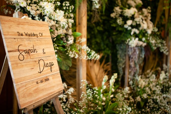 Intimate Wedding Sarah & Deo by Cateringky - 001