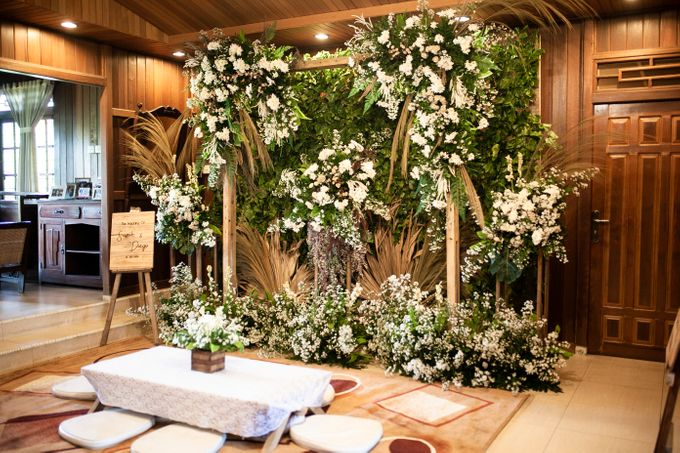 Intimate Wedding Sarah & Deo by Cateringky - 002