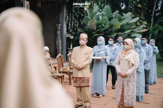 The Intimate Wedding Of Rizka & Farid by Armadani Organizer - 004
