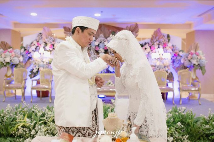 The Intimate Wedding Of Dzi & Ratno by Armadani Organizer - 022