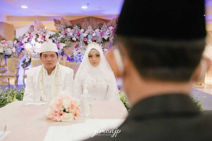 The Intimate Wedding Of Dzi & Ratno by Armadani Organizer - 009