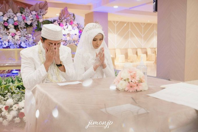 The Intimate Wedding Of Dzi & Ratno by Armadani Organizer - 021