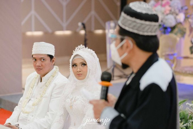 The Intimate Wedding Of Dzi & Ratno by Armadani Organizer - 005
