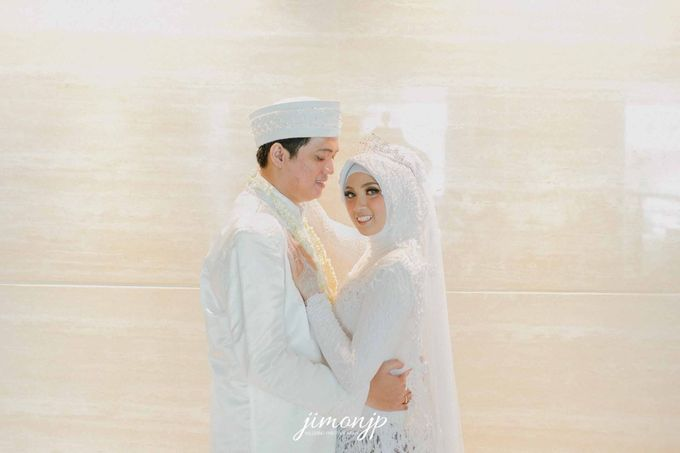 The Intimate Wedding Of Dzi & Ratno by Armadani Organizer - 015