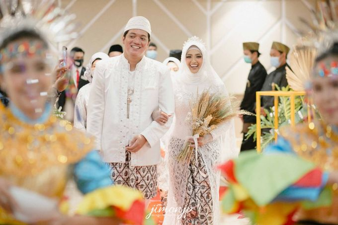 The Intimate Wedding Of Dzi & Ratno by Armadani Organizer - 018