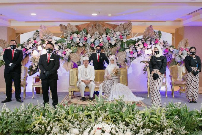 The Intimate Wedding Of Dzi & Ratno by Armadani Organizer - 008
