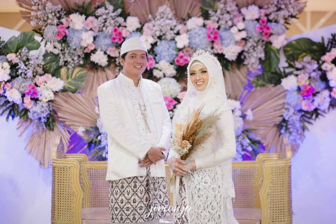 The Intimate Wedding Of Dzi & Ratno by Armadani Organizer - 011