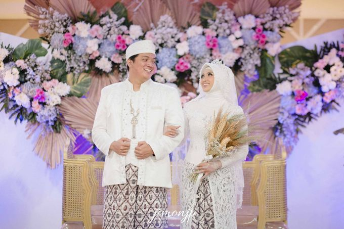 The Intimate Wedding Of Dzi & Ratno by Armadani Organizer - 010