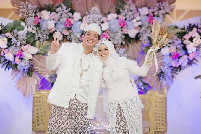 The Intimate Wedding Of Dzi & Ratno by Armadani Organizer - 014