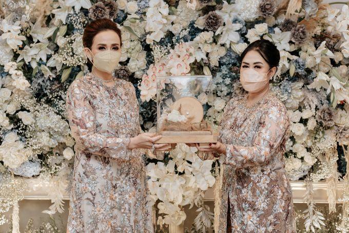 Savira & Naufal Engagement by Akuwedding - 004
