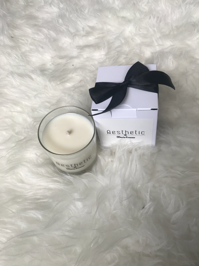 Lavender scented candle by Scent and Light - 002