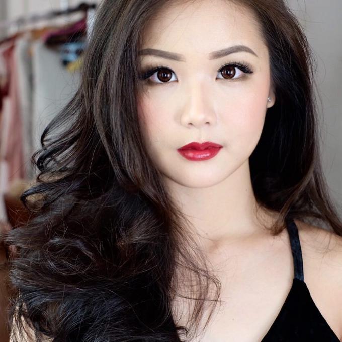 Simple Photoshoot Makeup For Ms Nathania By Silvia Jonathan