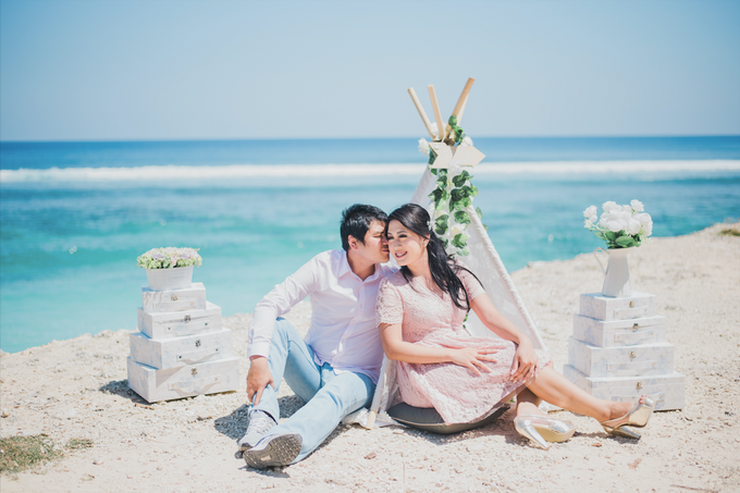 Tropical Island Pre-Wedding at Serangan by Honey Wedding & Event Bali - 009