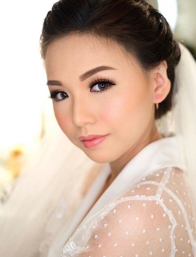 Wedding makeup class for Cindy by Silvia Jonathan - 001