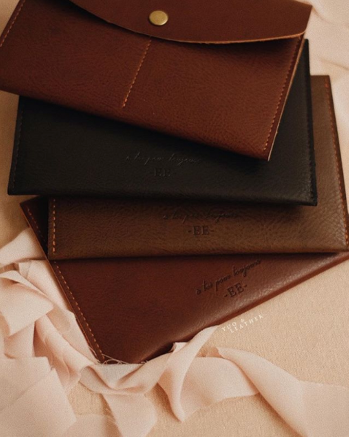 Eric and Evellyn Passport Wallet by Yuo And Leather - 002