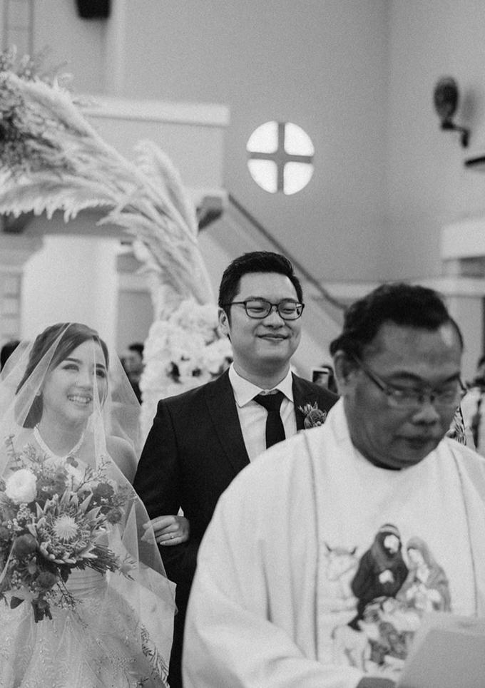 The Wedding of Yosua & Bea by MARBLEPHOTO - 007