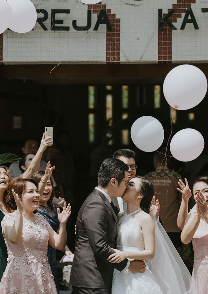 The Wedding of Yosua & Bea by MARBLEPHOTO - 006