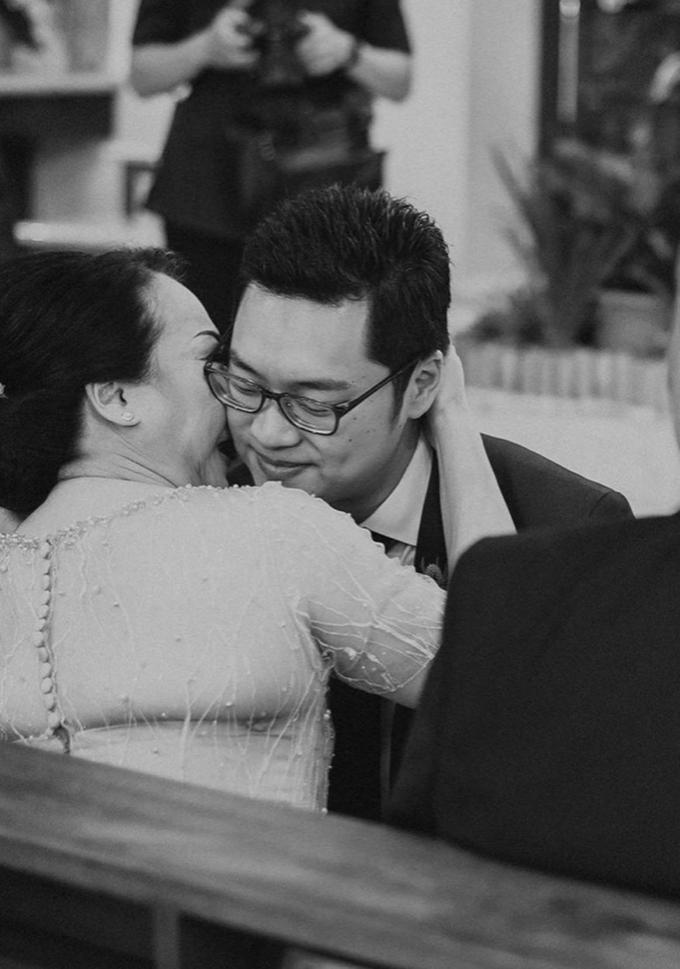 The Wedding of Yosua & Bea by MARBLEPHOTO - 002
