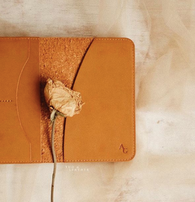 Anton & Gladys Simple Pouch and Passport Case by Yuo And Leather - 002