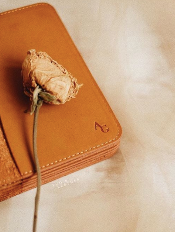 Anton & Gladys Simple Pouch and Passport Case by Yuo And Leather - 003