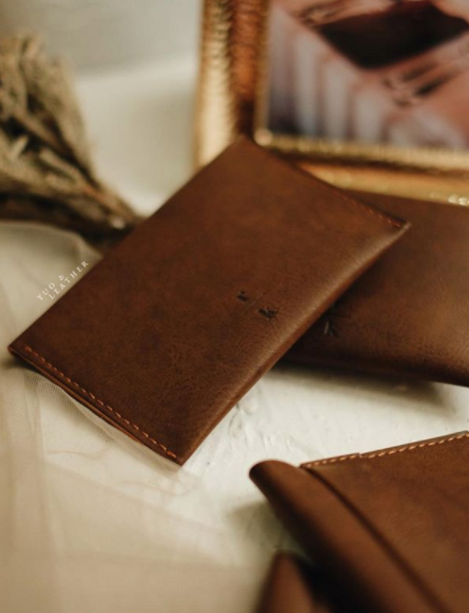 Roy & Katherine Card Holder by Yuo And Leather - 001