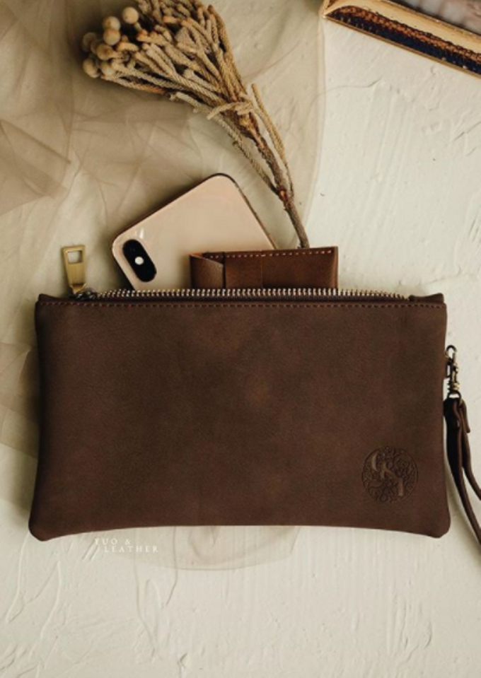 Charles & Ignatova Pouch by Yuo And Leather - 002