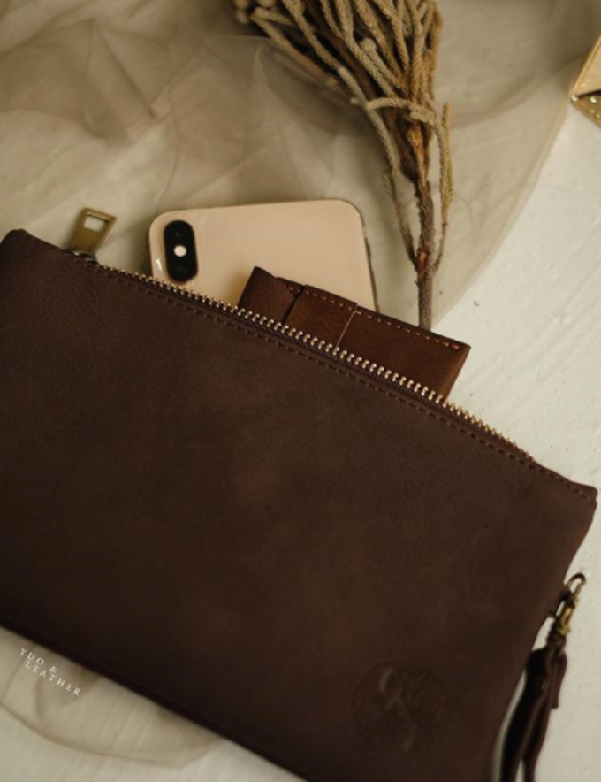 Charles & Ignatova Pouch by Yuo And Leather - 004
