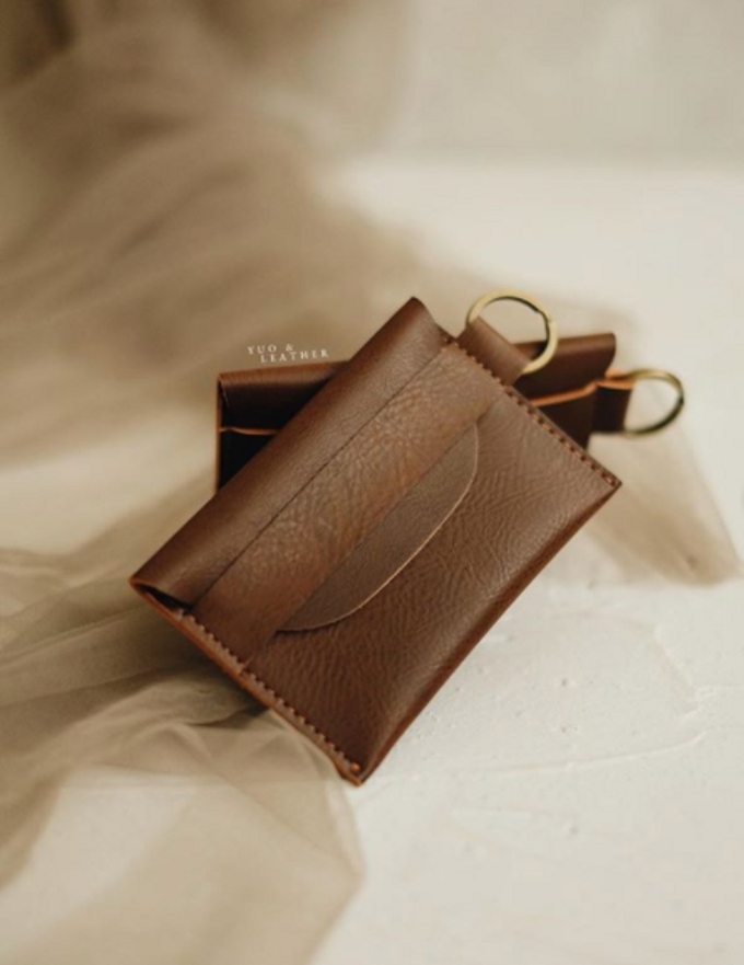 Daniel & Eunike Card Holder with chain by Yuo And Leather - 001