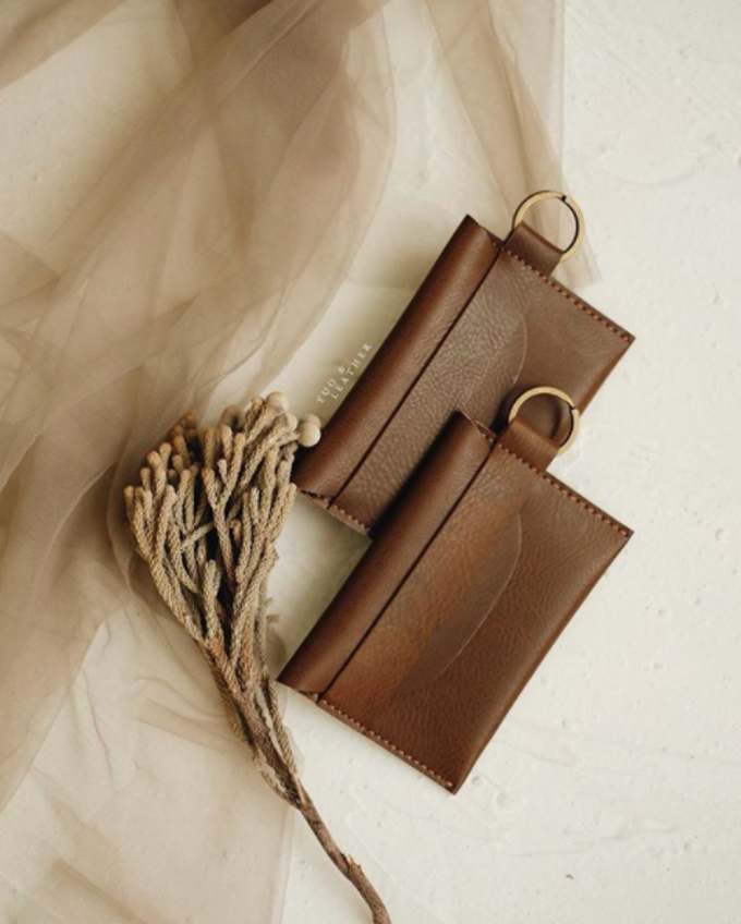 Daniel & Eunike Card Holder with chain by Yuo And Leather - 003