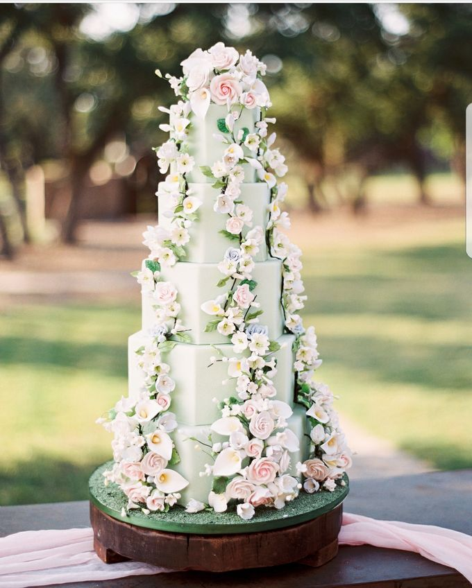 Wedding and Grooms' Cakes by Cakes ROCK!!! - 017