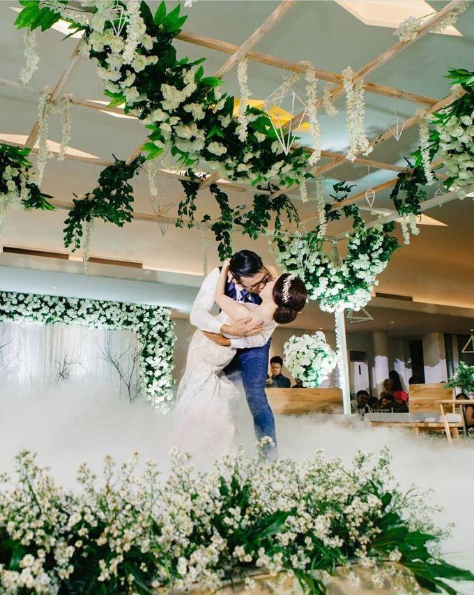 Mr.Ong Franz Valentino & Mrs.Vina Setiawan by Ventlee Groom Centre - 005