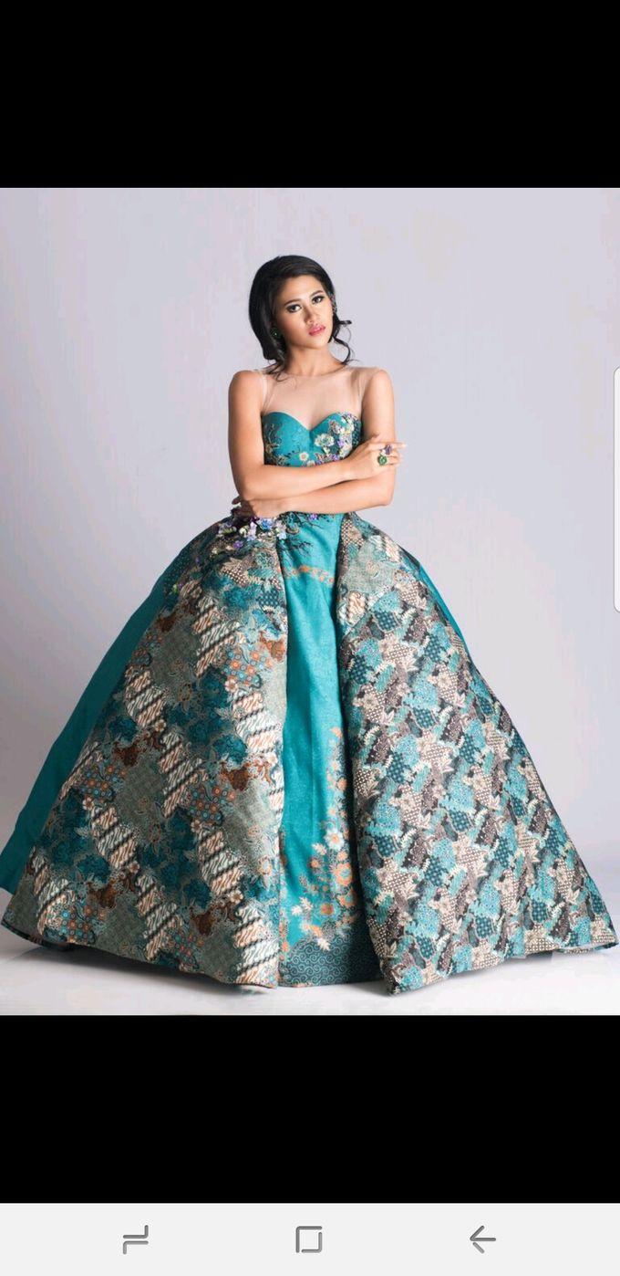 Batik/Kebaya Modern Collections by Yenny Lee Bridal Couture - 004