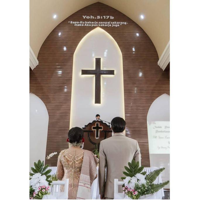 Mr. Iwan Setiawan & Mrs. Henny by Ventlee Groom Centre - 006