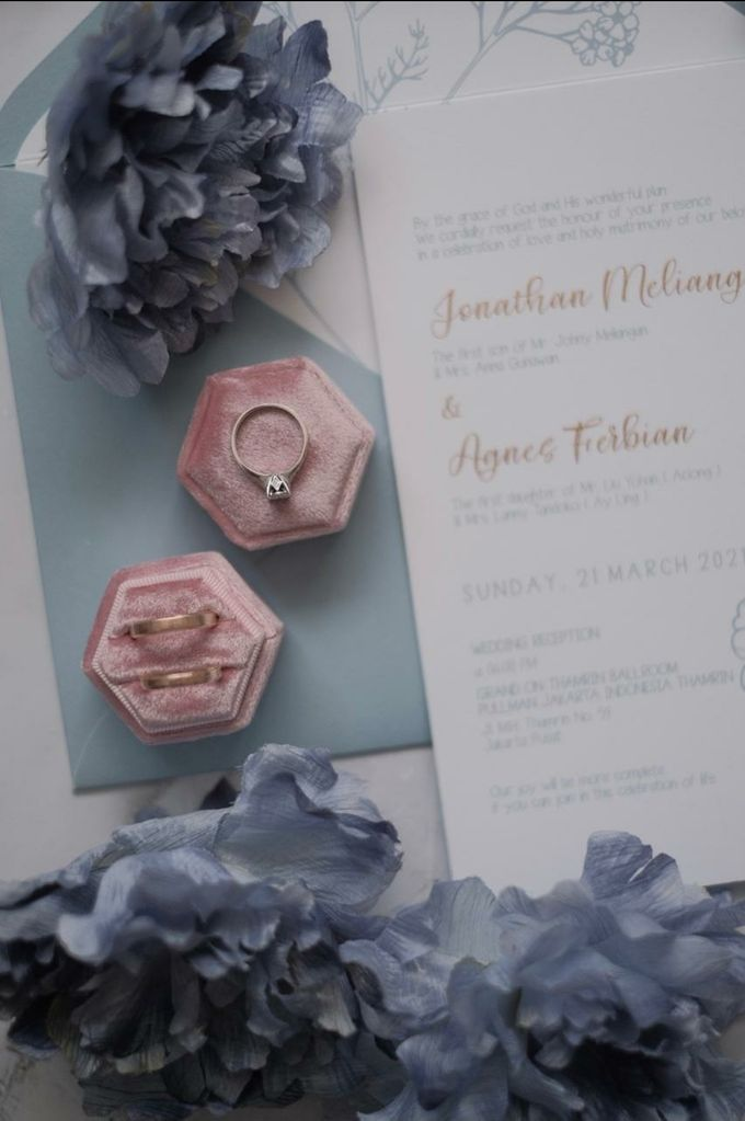 Courtesy Of Jonathan & Agnes by William & Friends - 009
