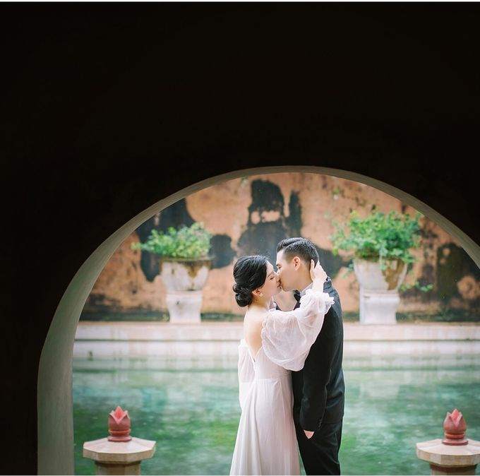 Mr. Andre & Mrs. Kiky by Ventlee Groom Centre - 001